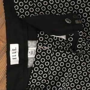 Elle Shorts - Black and white shorts